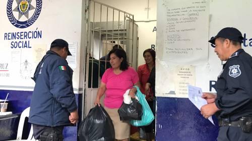 Reyna sale del penal tras 11 años presa por aborto espontáneo