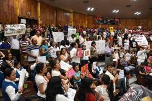 Integrantes de organizaciones de derecha protestan contra despenalización del aborto en Veracruz